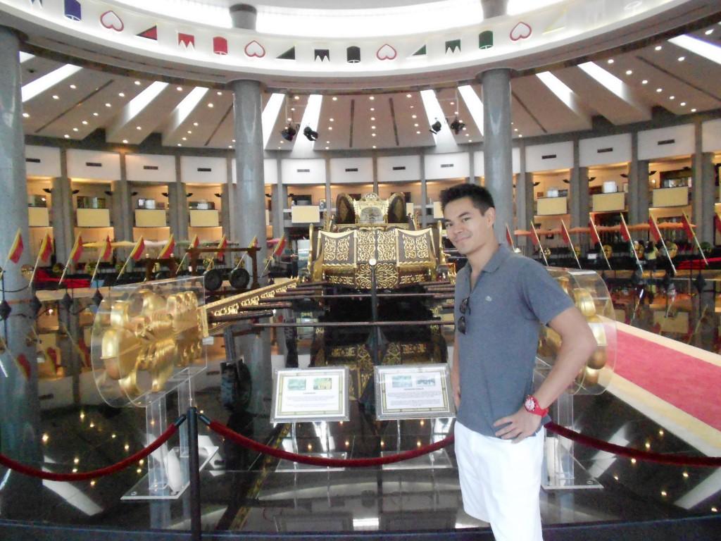 Royal-regalia-museum-inside
