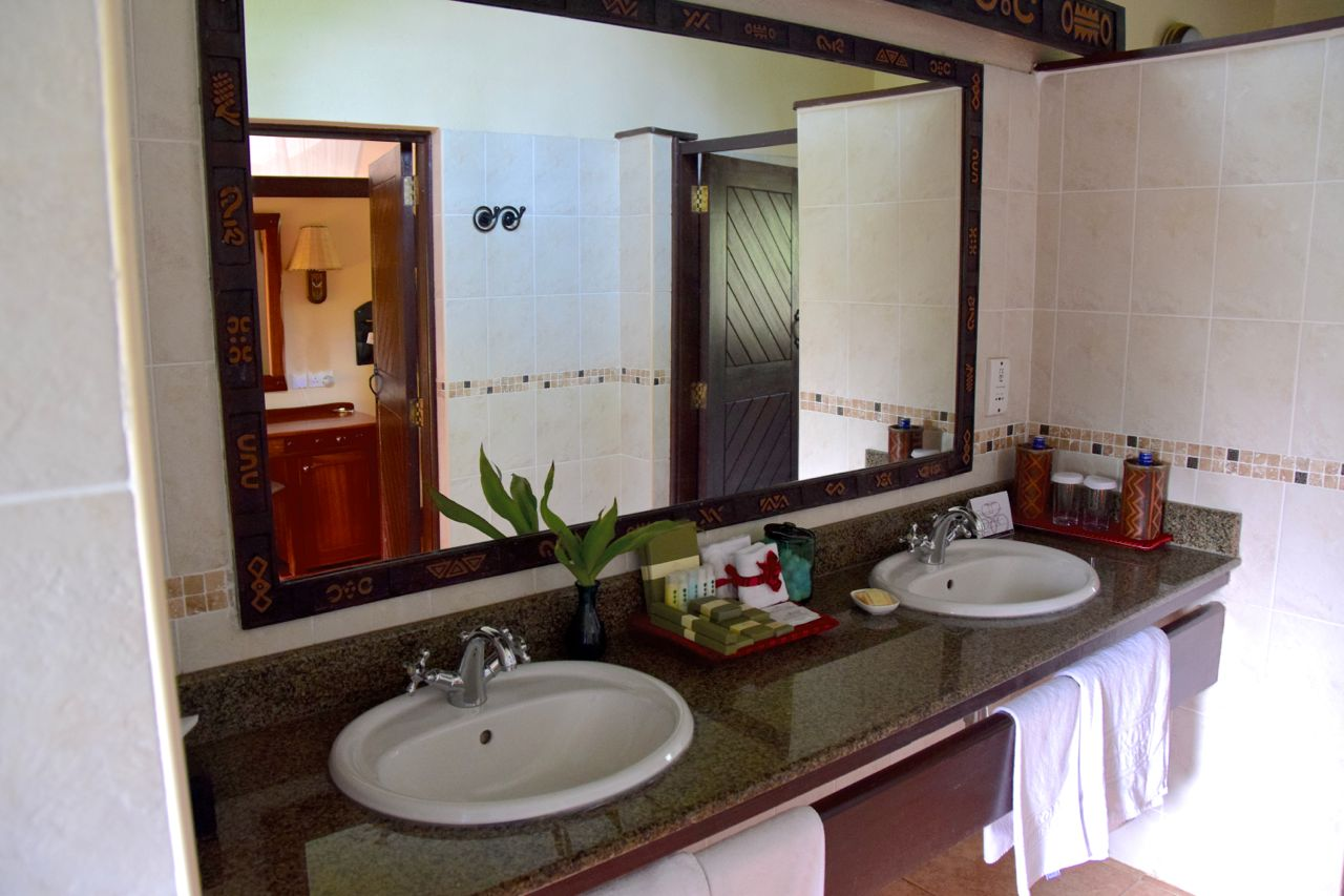 Sarova Mara Game C& Tent Bathroom Sinks & Sarova Mara Game Camp Tent Bathroom Sinks | World-Adventurer